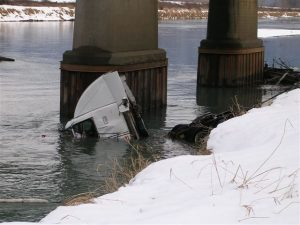 vedder-truck-wreck-031.jpg